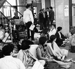 sit in protest for vietnam